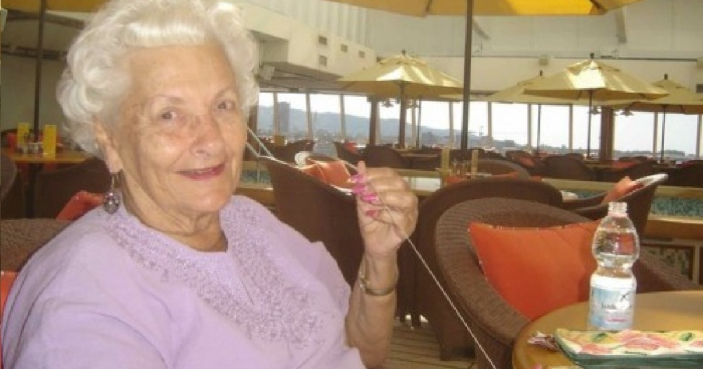 Man Asks An Old Lady Why She S Alone On A Cruise Ship Her
